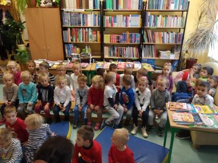 Goście w bibliotece